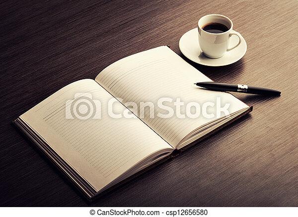 caffè, scrivania, penna, quaderno, vuoto, bianco, aperto - csp12656580