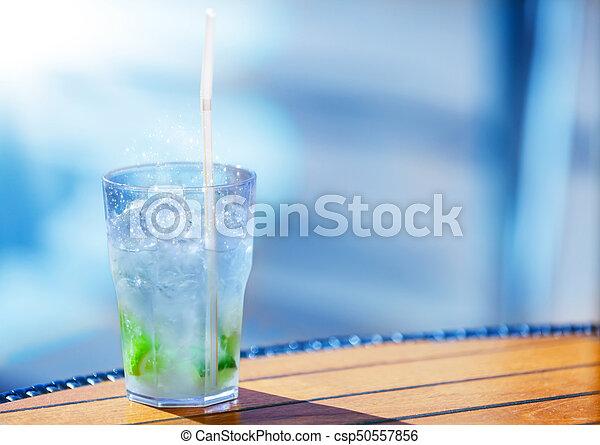 caipirinha, kalte , sonnenlicht, cocktail - csp50557856
