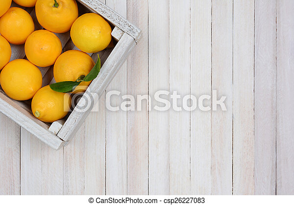 Una caja de limones - csp26227083