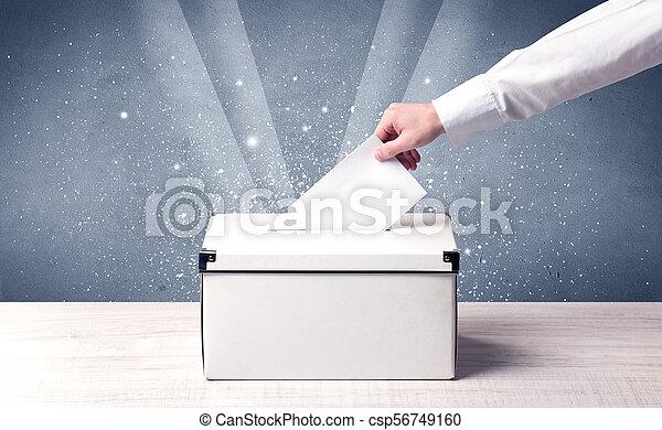 Ballot box con voto de casting - csp56749160