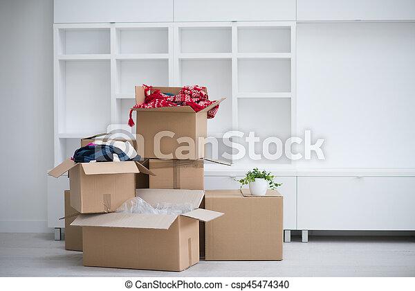 Cajas de mudanza - csp45474340