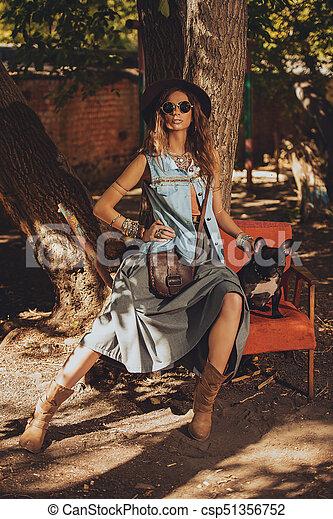 calças brim azuis, roupas - csp51356752