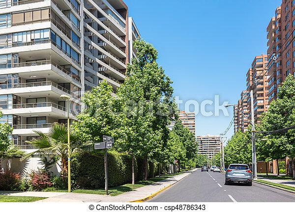 Calle de clase alta en Santiago, Chile - csp48786343