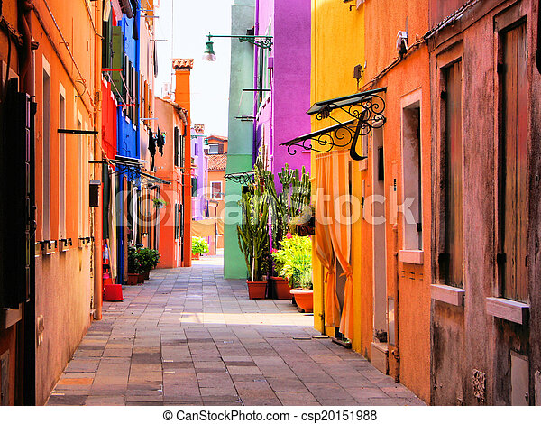 Colorida calle italiana - csp20151988