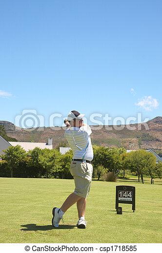 Golfer en la autopista - csp1718585