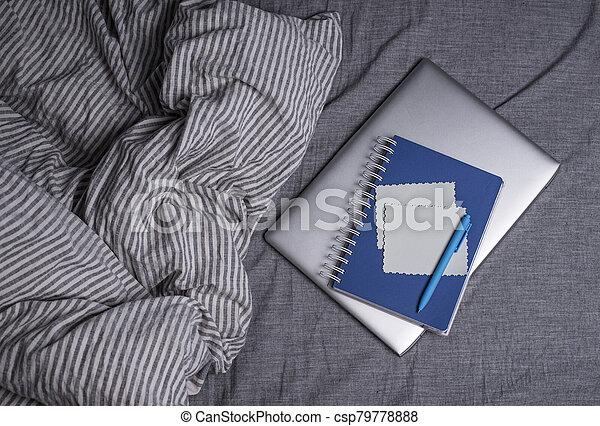 cama, cuaderno, computador portatil - csp79778888