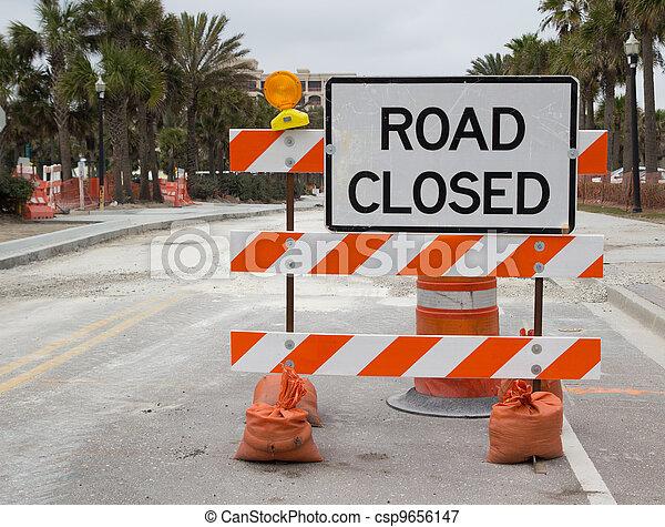 Camino cerrado - csp9656147