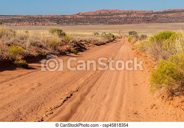 Camino de tierra - csp45818354