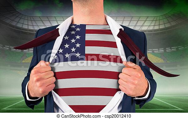 Hombre de negocios abriendo camisa para revelar - csp20012410