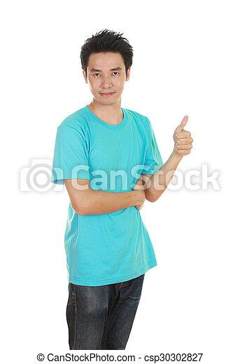 Hombre con camiseta en blanco con pulgares arriba - csp30302827