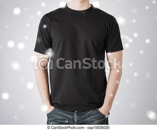 Hombre con camiseta en blanco - csp15836020