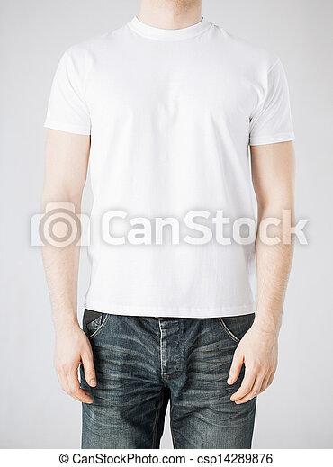 Hombre con camiseta en blanco - csp14289876