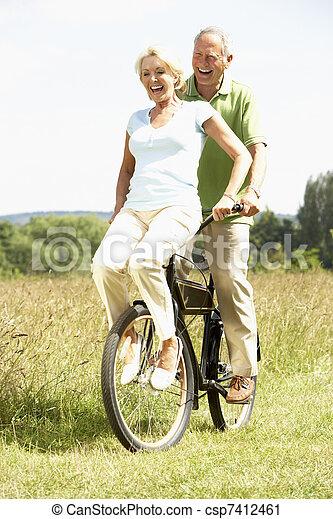 campagne, équitation, couple, vélo, mûrir - csp7412461