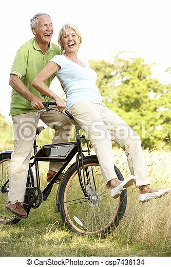 campagne, équitation, couple, vélo, mûrir - csp7436134