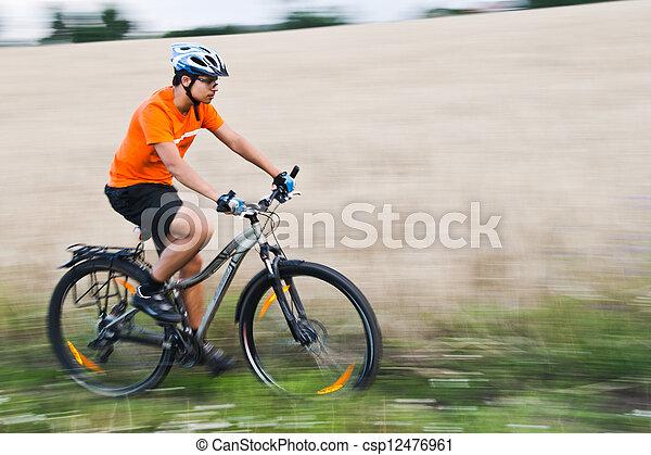 campo, corsa bici - csp12476961