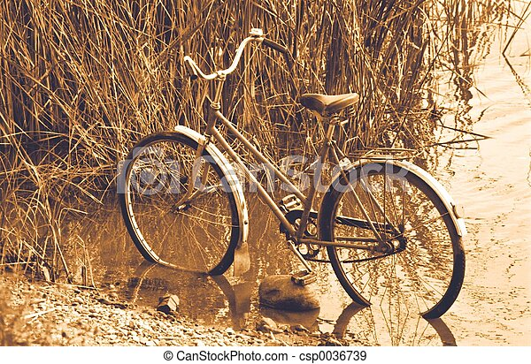 古い自転車 - csp0036739