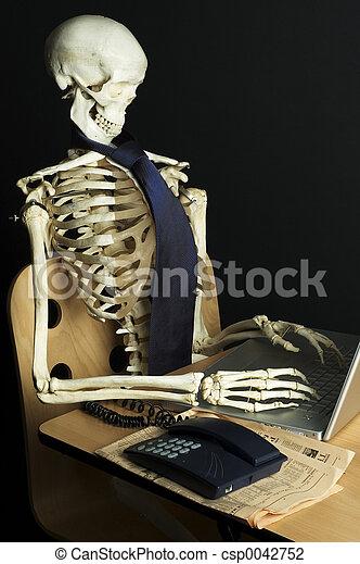 Skeleton at Work 11 - csp0042752