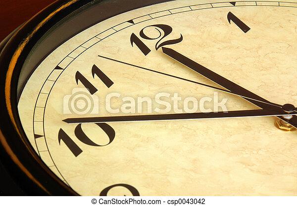 Clock - csp0043042