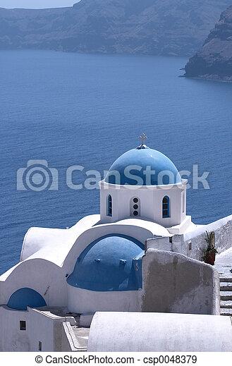Santorini Churches 5 - csp0048379
