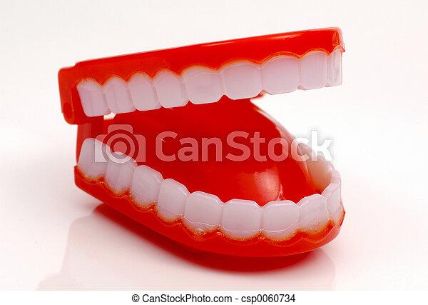 新穎, 牙齒 - csp0060734