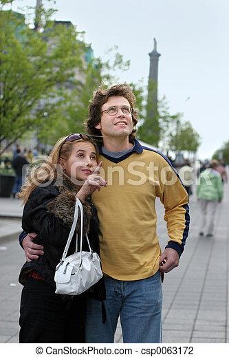 Tourist couple - csp0063172