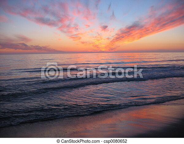 Sonnenuntergang, sandstrand - csp0080652