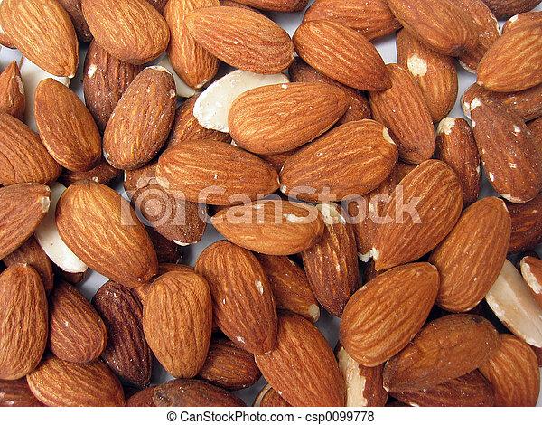 peeled almonds - csp0099778