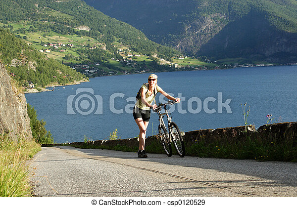 frau, Fahrrad - csp0120529
