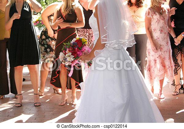 bride boquest toss - csp0122014