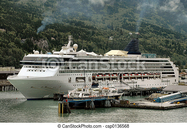Cruise ship in Skagway