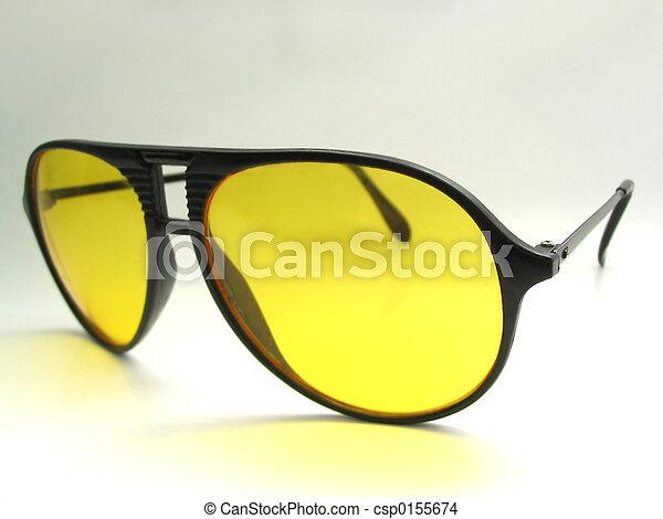 photo de lunettes pour nuit conduite 2 csp0155674 recherchez des images des. Black Bedroom Furniture Sets. Home Design Ideas