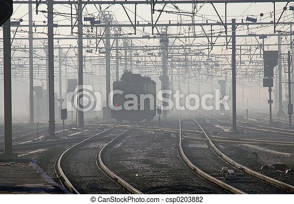 train, brouillard - csp0203882