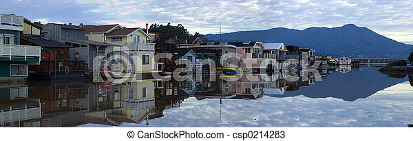 Life on the water - Sausalito 1 - csp0214283