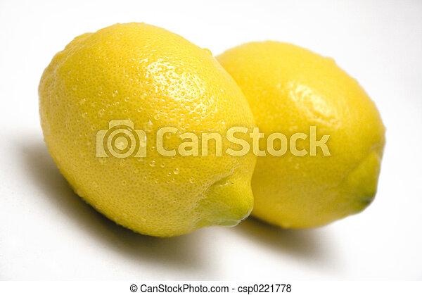 Lemons w/ Waterdrops - csp0221778