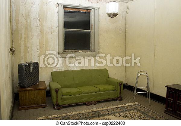 photographies de appauvri maison int rieur nuit nu fen tre fissures csp0222400. Black Bedroom Furniture Sets. Home Design Ideas