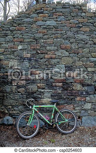 壁, 自転車, に対して - csp0254603