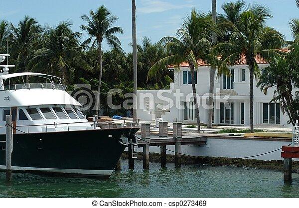 Luxurious mansion - csp0273469
