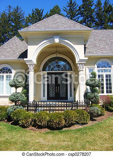 Foto de frente porta frente porta entrada para for Banco para entrada de casa