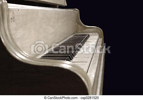 Antique Piano - csp0281520