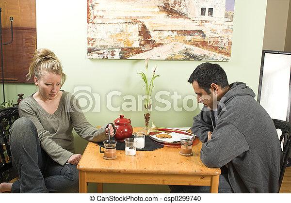 couple arguing - csp0299740