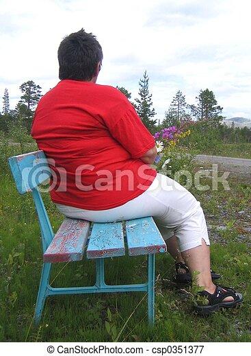 Overweight woman - csp0351377