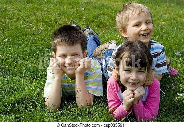 Lächeln, Kinder - csp0355911