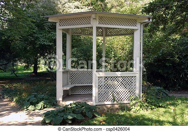 stock foto von gartenhaus wei es gef rbt gartenhaus. Black Bedroom Furniture Sets. Home Design Ideas