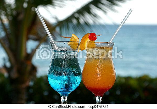 Cocktails, bunter - csp0475724