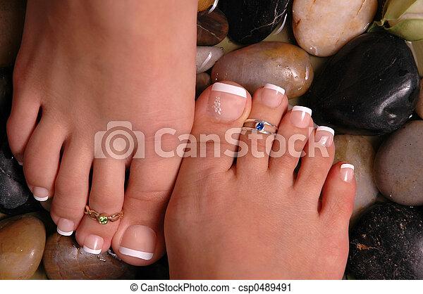 Feet on Pebbles - csp0489491