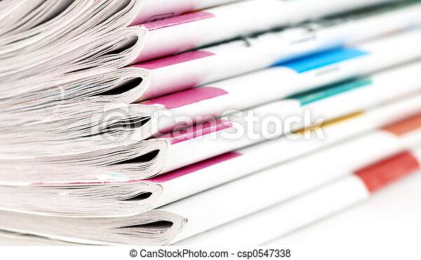 heap of magazines - csp0547338