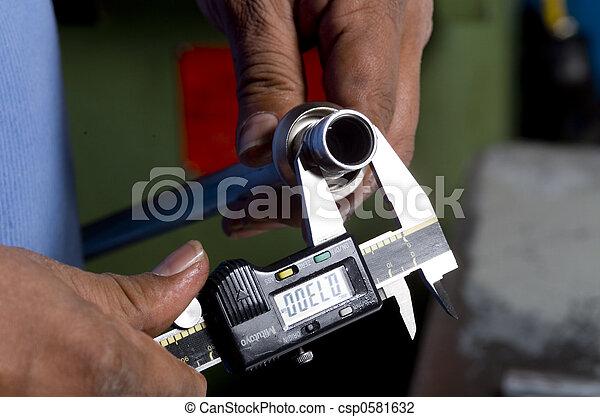 calliper in use - csp0581632