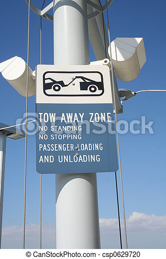 tow away zone sign - csp0629720
