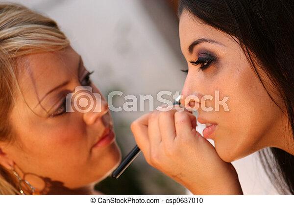 Pro Make-up Artist - csp0637010