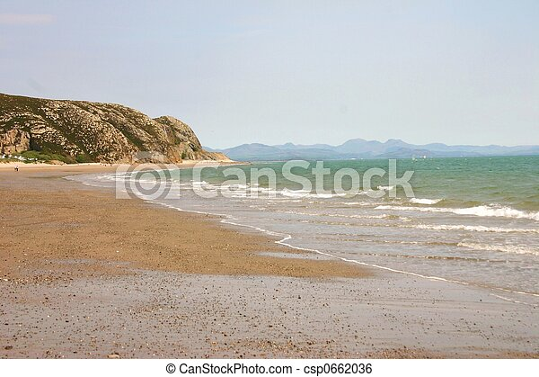 North Wales Shoreline - csp0662036